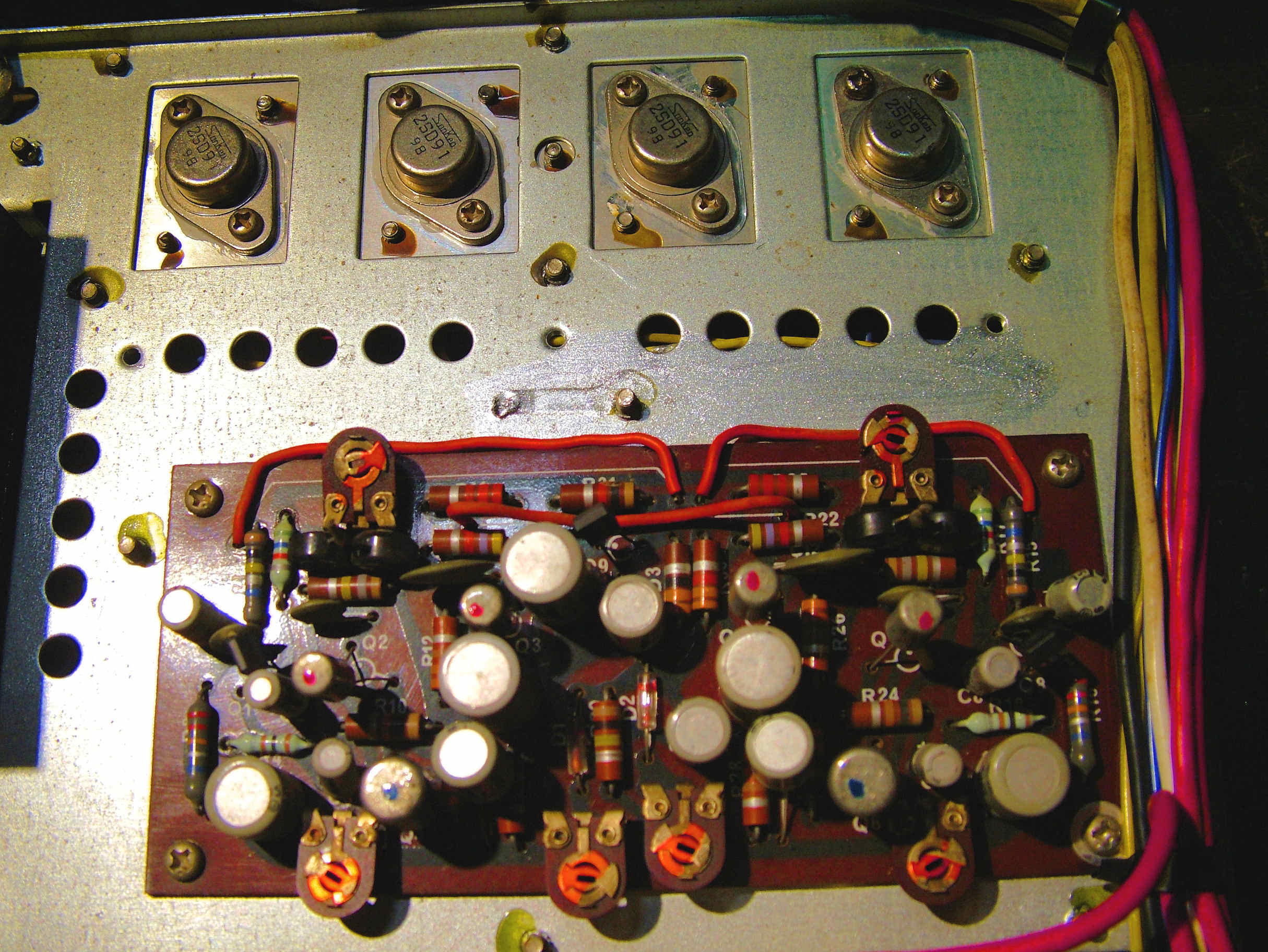 How To Build This Small Stereo Amplifier Circuit